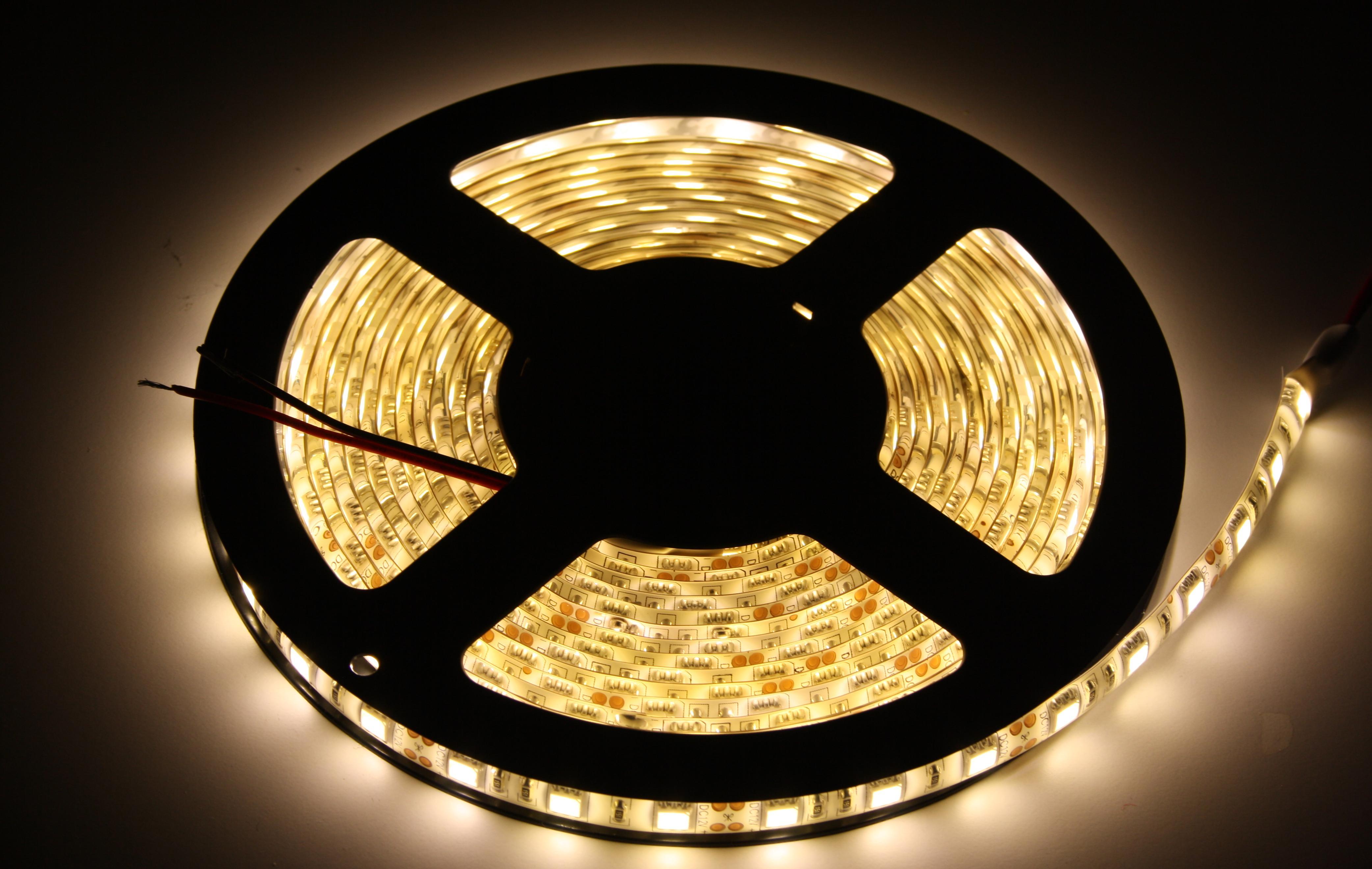 0 5 5m led strip 5050 60led m wasserdicht streifen leiste lichterkette warmwei ebay. Black Bedroom Furniture Sets. Home Design Ideas